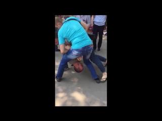 Русские полицейские напали на Чеченок в Воронеже (суета) [Нетипичная Махачкала]