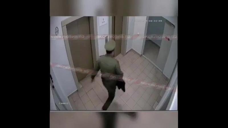 Вояка поднасрал жителям