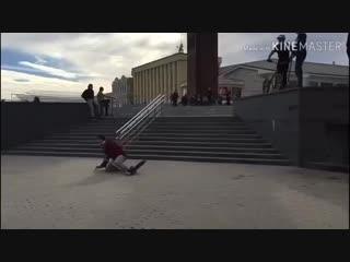 В Ставрополе экстремал сломал ногу и попал на видео