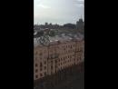 Крашу рекламу на Гранд отеле на улице Тверскоц