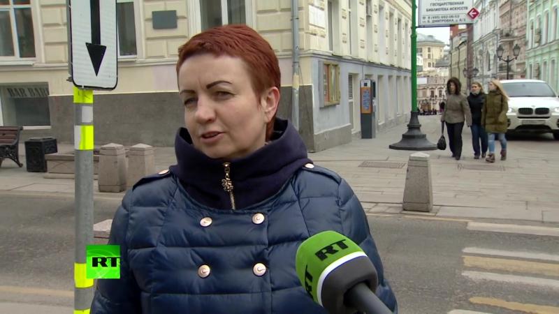 Правда или фейк_ люди на улицах Москвы отделяют факты от вымысла