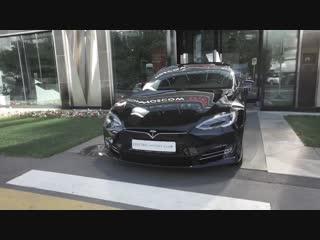 Детальный обзор Tesla Model S P100D