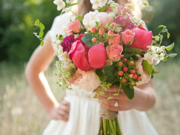 Весна - время цветов! Пусть они будут в каждом доме. Мечтайте, влюбляйтесь, вдохновляйтесь и расцветайте!