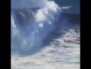 Парень из Бразилии установил новый мировой рекорд оседлав 24-метровую волну.