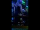 Девушка в клубе без трусиков