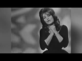 """Dalida """"garde-moi la dernière danse"""" interview et """"la joie d'aimer"""" - 1961"""