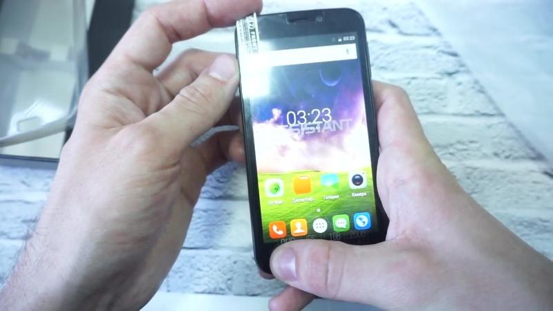 Распаковка смартфона ASSISTANT AS 4421 Unami