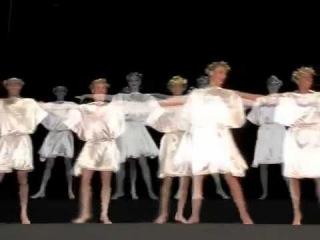 **Танец Сиртаки - один из главных символов Греции**