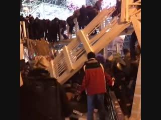 В Москве в парке Горького обрушился мост 01.01.2019 Еще один ролик в описание