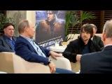 Владимир Путин вместе со знаменитыми хоккеистами и командой юниоров посмотрел фильм `Легенда № 17` - Первый канал