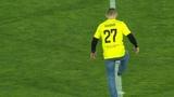 Хабиб Нурмагомедов нанес первый удар в матче Анжи - ЦСКА
