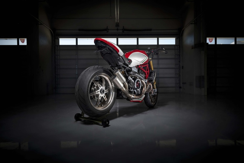 Motovation: мотоцикл Ducati Monster 1200 Tricolore
