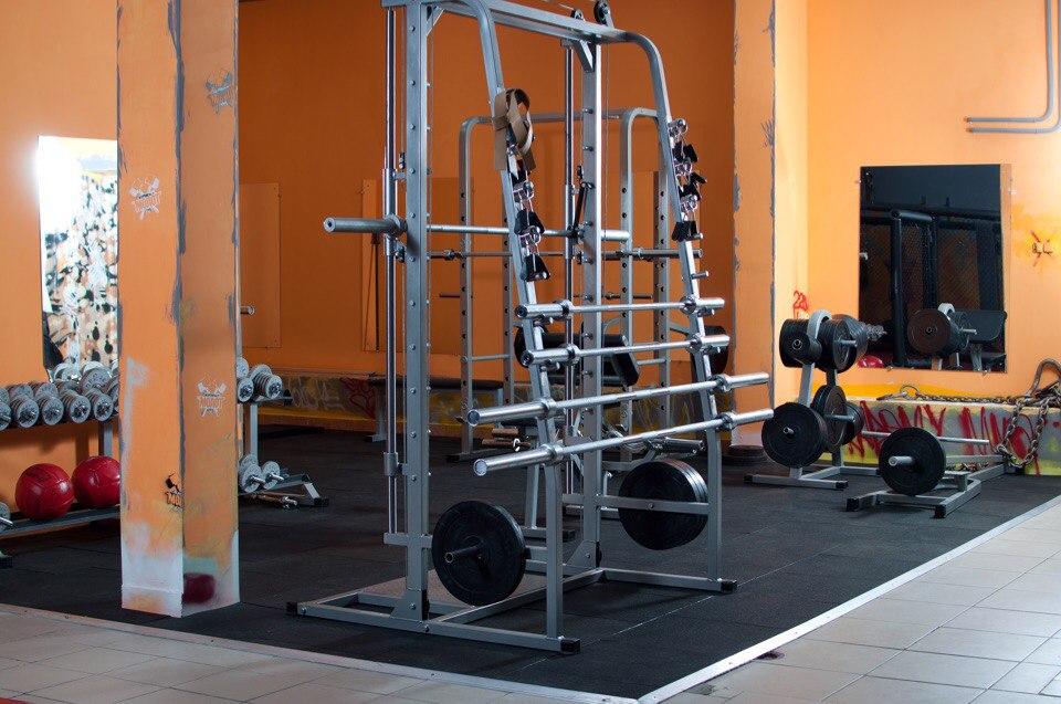 """Тренажерный зал, фитнес, единоборства, фитбокс в СК """"Молот"""" от 1,50 руб./занятие"""