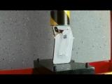 IPhone X под прессом.mp4