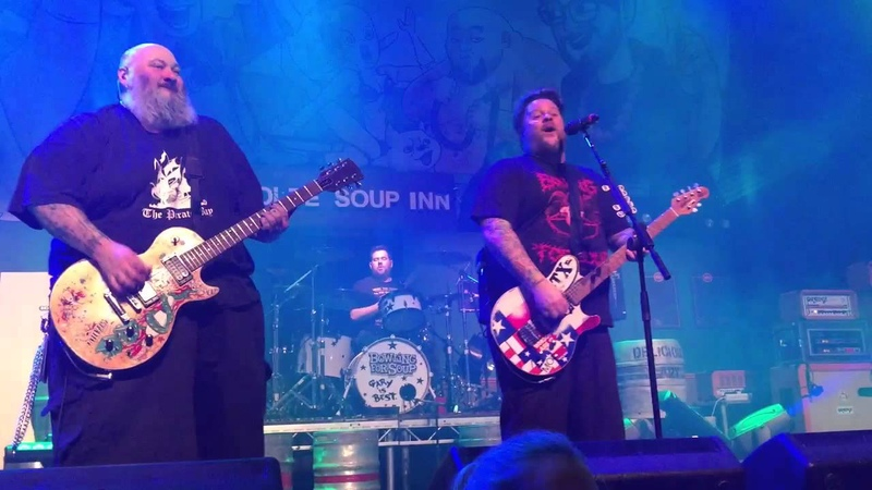 Bowling For Soup ~ All The Small Things/Basket Case/Girls and Boys/My Friends Over You/The Middle