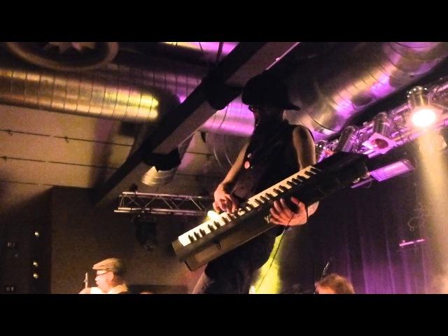 ELÄKELÄISET Metallica - Enter Sandman 30.04.13 E- Werk Erlangen