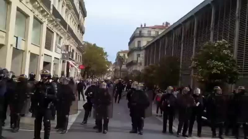 ACTE 23 - Les Gilets Jaunes à Montpellier... LES MAINS EN LAIR.mp4