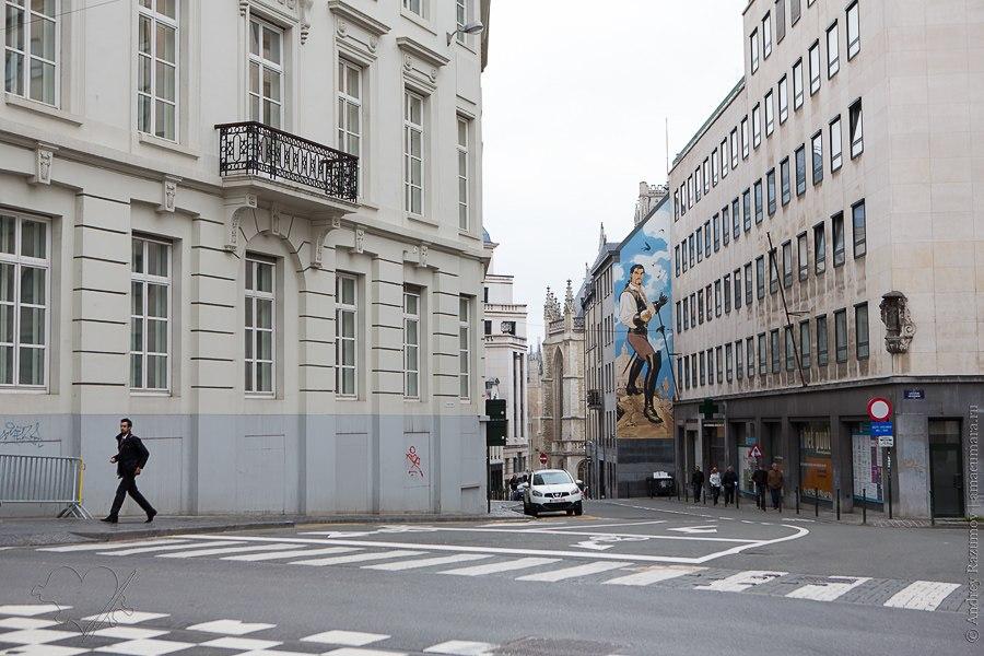 Комиксы на фасадах домов в Брюсселе