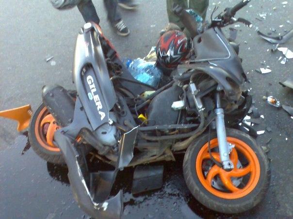 В Таганроге девушка за рулем «Матиза» сбила скутериста