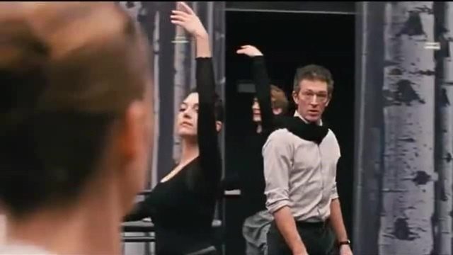 100 балерин и черный лебедь