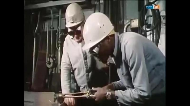 Los trabajadores invitados de Honecker: Amigos extranjeros en la RDA (Versión 480p).