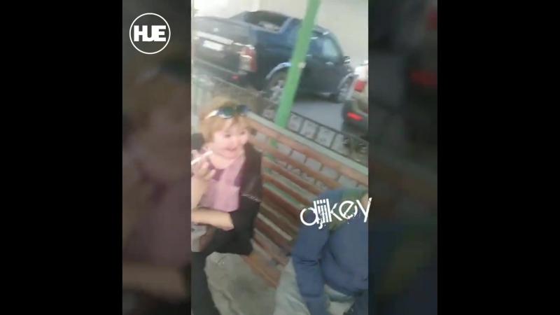 В Якутске нетрезвая пассажирка ругалась и приставала к пассажирам
