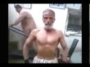 Старики в качалке, воркаут The old men in gym workout