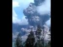 Извержение вулкана Ринджани (Индонезия)