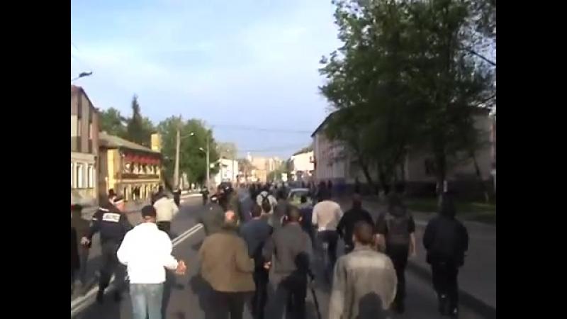 Харьков 27 апреля 2014 Плехановская антимайдан нападает