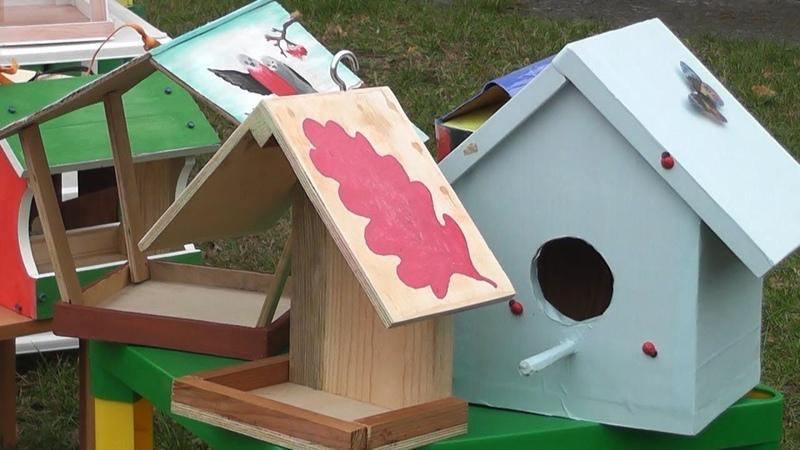 Кормушки для птиц на зиму подготовили в детском саду №9 Пинска