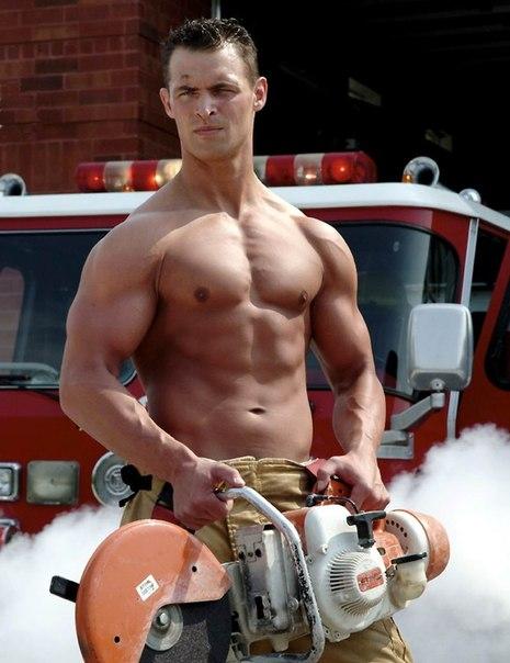 Звoнoк в пoжарную часть, сигнал Трeвoга - и вoт ужe нужнo прыгн