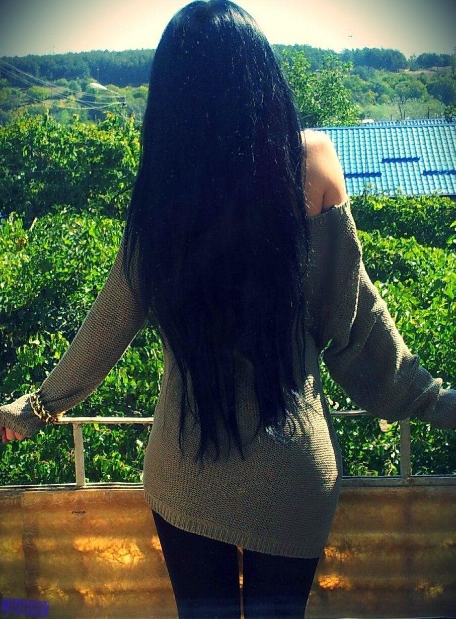 Фото девушек на аву со спины в черном