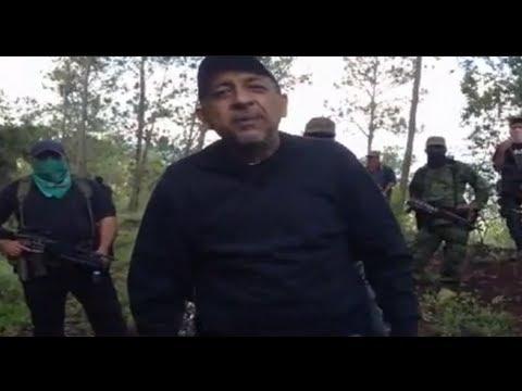 La Tuta líder de Los Caballeros Templarios entrevista en la sierra michoacana