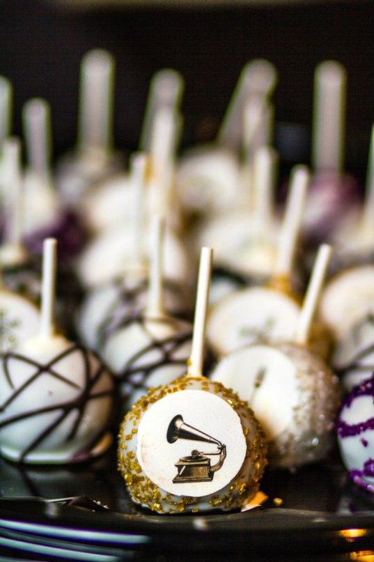 BDjXzUKOs9Q - Золотые и серебряные свадебные торты 2016 (70 фото)