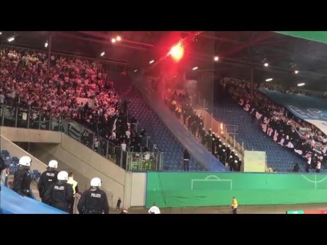 Hansa Fans präsentieren Hertha Fahne Hansa Rostock Hertha BSC Berlin DFB Pokal