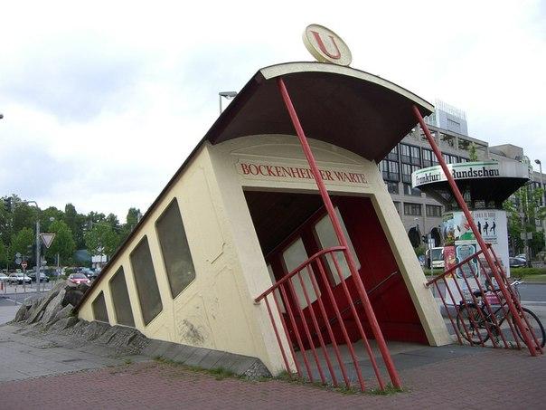 Вход в метров во Франкфурте, Германия