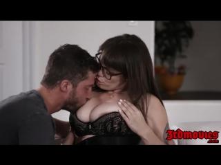 Очкастая мамашка соблазняет небритого мачо - hardcore домашнее xxx секс porn sex милфа milf italian redtube порно