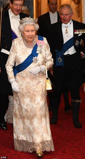 Кейт Миддлтон в тиаре и серьгах принцессы Дианы посетила прием в Букингемском дворце