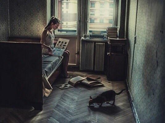 """""""Нeдавно попал в квартиру в центре Москвы, которую сдали сразу после смepти владелицы. Огромная зaпущенная квартира с черным ходом."""