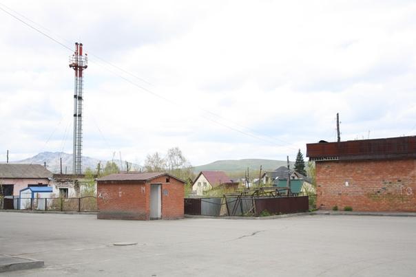 Задворки Горно-Алтайска. Обратите внимание, что очень чисто.