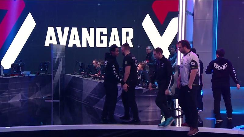 Markeloff прикинулся игроком команды AVANGAR и хотел пожать руку тиммейту.