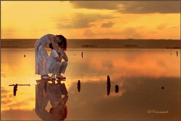 Мудрому человеку не вода, а ближний зеркалом служит.