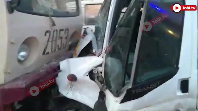 Лобовое столкновение маршрутки и трамвая в Челябинске