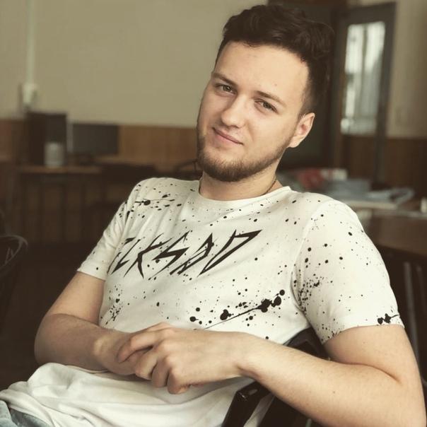 Антон Любарский
