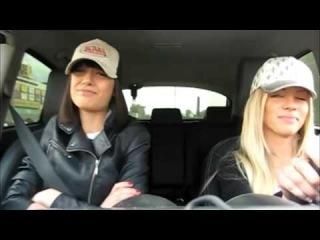 Девочки в машинке! Позитив!