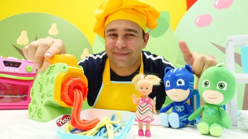 Hamur oyunları. Play Doh seti ile renkli spagetti yapıyoruz!