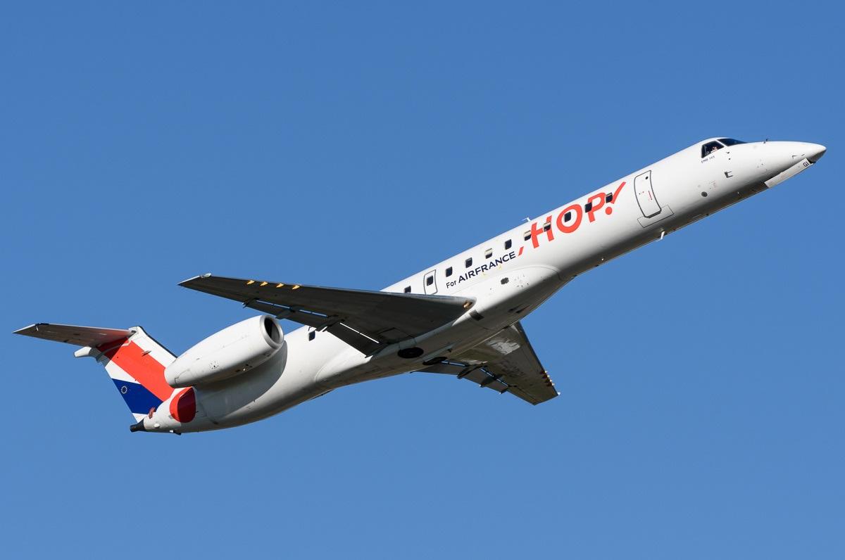 Embraer ERJ-145 в ливрее французского регионального перевозчика