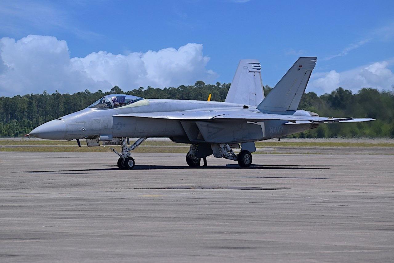 شركة Boeing تكشف عن مقاتلة F/A-18 Block III Super Hornet المستقبليه  V04-CGnKwrc