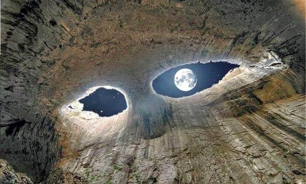 """""""Глаза Бога"""", Пещера Проходна, Болгария"""