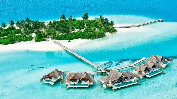 Отель на Мальдивах.